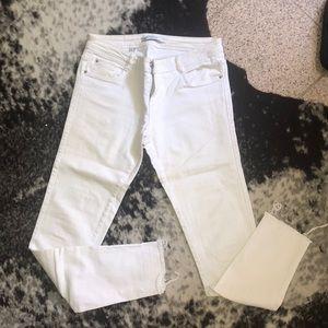 Zara Frayed Hem White Jeans Size US 4